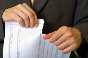 Áp dụng chế tài phạt vi phạm và bồi thường thiệt hại khi vi phạm hợp đồng